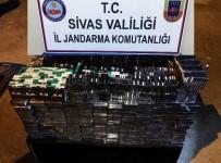 YOLCU OTOBÜSÜ - Yakıt Deposundan Kaçak Sigara Çıktı