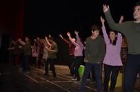 SELIM YAĞCı - 12'Nci Uluslararası Bilecik Tiyatro Festivali Engel Tanımadı