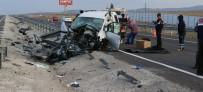 Aksaray'da Aynı Yerde İki Ayrı Kaza Açıklaması 1 Ölü, 4 Yaralı