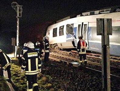 Almanya'da feci tren kazası