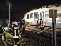 YÜK TRENİ - Almanya'da feci tren kazası