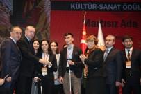 BAĞCıLAR BELEDIYESI - Cumhurbaşkanı Erdoğan'dan Bağcılar Belediyesi'ne 'Engelleri Aşanlar' Ödülü
