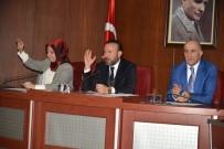 SEÇME VE SEÇİLME HAKKI - İzmit'te Yılın Son Meclis Toplantısı Yapıldı