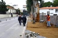 YAYA TRAFİĞİ - Manavgat'ta Kaldırımlar Genişliyor