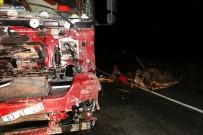 GAZİ YAŞARGİL - Otomobil Paramparça Oldu Açıklaması 2 Ölü, 2 Yaralı