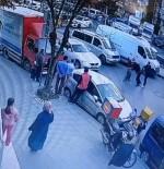 DAYAK - Sürücülerin trafikte bir saat süren tekme tokat kavgası kamerada