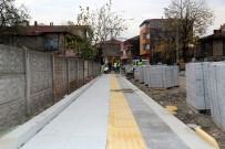 ENGELLİ RAMPASI - Sapanca'da Kaldırımlar Görme Engelliler İçin Düzenleniyor