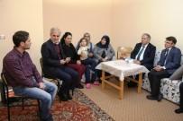 GÖNÜL ELÇİLERİ - Suriye'den Gelerek Artvin'e Sığınan Ailelere Vali Doğanay'dan Ziyaret