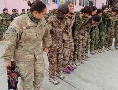 ABD'li kadın asker YPG'lilerle halay çekti