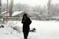 SEVINDIK - Ağrı'da Çocukların Kar Sevinci