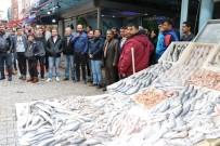 KARACAOĞLAN - Balıkçı Esnafının Kent Meydanı Kaygısı
