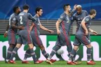 RED BULL - Beşiktaş İlk Yarıyı Galip Kapattı