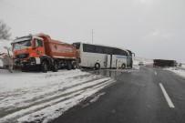 MEHMET SARI - Bolu'da, TEM Otoyolu'nda Zincirleme Kaza Açıklaması 6 Yaralı