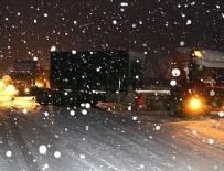 KARANLıKDERE - Bolu Dağı'nda yoğun kar yağışı etkili oluyor