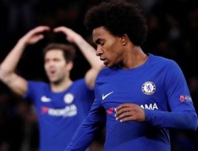 Chelsea, sahasında grup liderliğini kaçırdı!