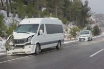 KAR LASTİĞİ - Denizli-Antalya Karayolunda Ulaşıma Kar Ve Sis Engeli