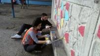 Düzce Üniversitesi Öğrencileri Okulların Duvarlarını Renklendiriyor