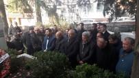 MERKEZ HAKEM KURULU - FIFA Kokartlı İlk Türk Hakem Mezarı Başında Anıldı