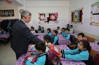 Şahinbey Belediyesi Boyama Seti Dağıtımını Sürdürüyor
