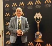 KARİYER ZİRVESİ - 'Yılın Tıp Adamı' Ödülü Op. Dr. Erdal Cücük'e