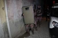 ŞAFAK VAKTI - Adana'da DEAŞ Operasyonu Açıklaması 12 Suriyeliye Gözaltı