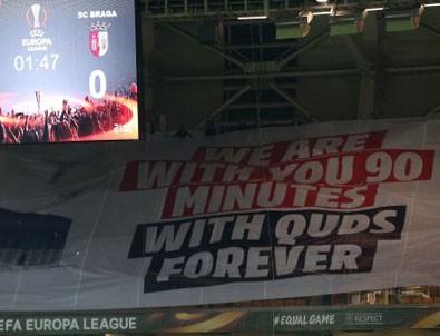Başakşehir'de maçta dikkat çeken pankart