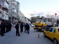 Çınarcık'ta Taksiler Çekicilerle Kaldırıldı