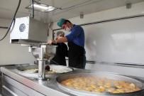 KAYGıSıZ - Ekmek Kırıntısı Kavgası Tatlıya Bağlandı