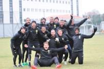 HALIL ÜNAL - Eskişehirspor'da Yüzler Gülüyor