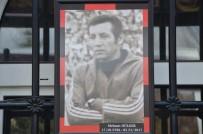 MAHMUD SAMI RAMAZANOĞLU - Eskişehirspor'un Eski Kaptanlarından Mehmet Dülger Son Yolculuğuna Uğurlandı