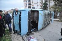 KADIR ŞAHIN - İki Aracın Çarpıştığı Kaza Maddi Hasarla Atlatıldı