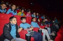 PATLAMIŞ MISIR - İlk Kez Sinemada Film İzlediler