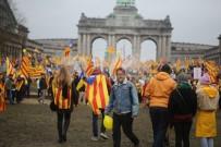 FLAMAN - Katalanlardan Brüksel'de 45 Bin Kişilik Gövde Gösterisi