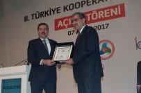 KOOPERATİFLER FUARI - Recep Konuk'a Üstün Hizmet Ödülü