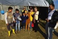 ADANALıOĞLU - Suriyeli Mültecilere Diş Fırçası Ve Diş Macunu Desteği