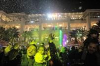 YILBAŞI PARTİSİ - Yeni Yıl Coşkusu Mavibahçe'de Erken Başladı