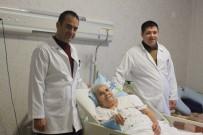 FİZİK TEDAVİ - Boynu Kırılan Yaşlı Kadın, 5 Ay Sonra Yürüdü