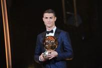 CRİSTİANO RONALDO - Cristiano Ronaldo: Futbol tarihin en iyi futbolcusu benim
