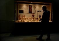 APOLLON TAPINAĞI - Müzeler şehri Bursa'da kazı çalışmaları devam ediyor