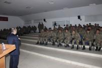 İŞ VE MESLEK DANIŞMANLARI - Askerlere Terhis Öncesi İŞKUR'dan İş Arama Becerileri Eğitimi Verildi