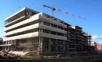 BELEDİYE MECLİS ÜYESİ - Başkan Yılmaz Belediye Kültür Merkezini Gezdi