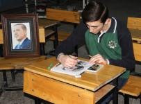 VEDAT AYDıN - Çizdiği Portresini Hediye Etmek İçin Cumhurbaşkanını Bekliyor