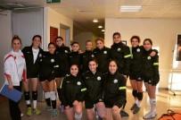 BAYAN VOLEYBOL TAKIMI - Düzce Üniversitesi Bayan Voleybol Takımı Grup İkincisi Oldu