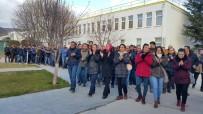 TÜRK METAL SENDIKASı - Fabrika İşçileri Eylemde