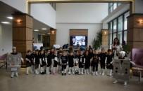 ROBOTLAR - Öğrenciler Yaptıkları Kodlamayla Robotları Dans Ettirdi
