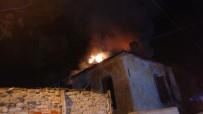 FEN BILGISI - Sezen Aksu'nun Doğup Büyüdüğü Sokakta Yangın