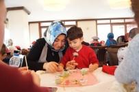 BEYOĞLU BELEDIYESI - Beyoğlu'nda Çocuklar Anneleriyle Çikolata Atölyesi'nde Eğlendi