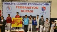 KAĞıTSPOR - Büyükşehirli Karateciler, Takım Halinde Şampiyon Oldu