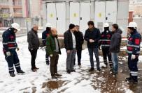 AYDINLATMA DİREĞİ - Dicle Elektrik'te Kış Mesaisi Sürüyor