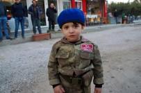 TAHIR ŞAHIN - Gazi Babasını Asker Selamıyla Karşıladı